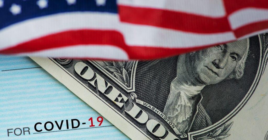 Le président américain signe une nouvelle vague de chèque d'aide